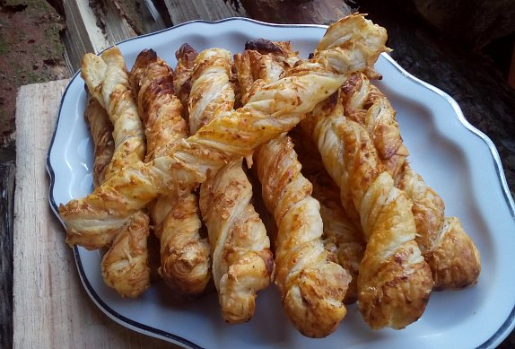 Kořeněné sýrové tyčinky photo-0