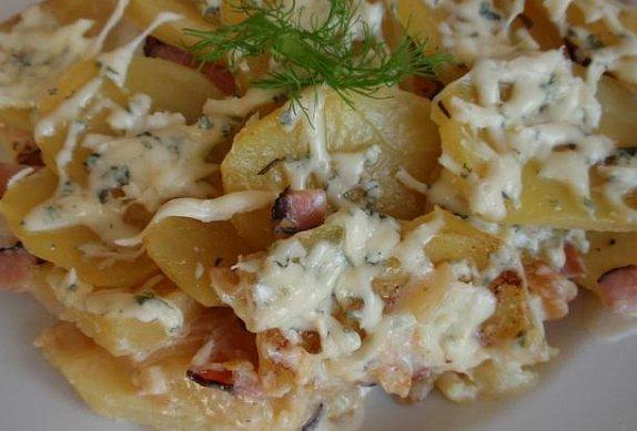 Gratinované brambory (nejen) s fenyklem