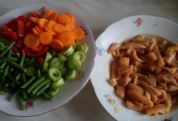 """""""Čína"""" s česnekovými výhonky"""