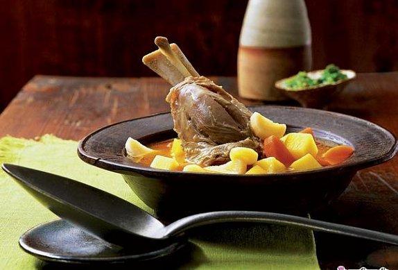 Jehněčí nožička dušená v zelenině photo-0