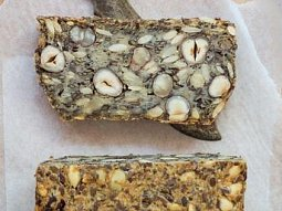 Ořechovo semínkový chléb