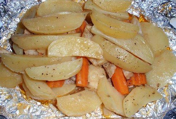 Maso z alobalu s kořenovou zeleninou