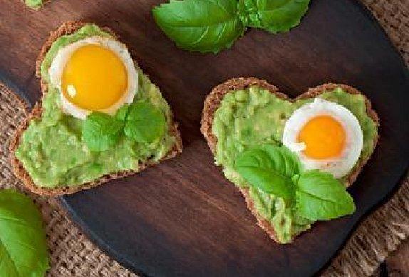 Valentýnský avokádový sendvič photo-0