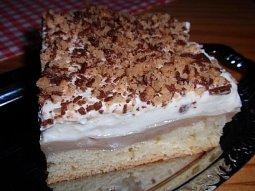 Jogurtový koláč (řez) s pudinkem