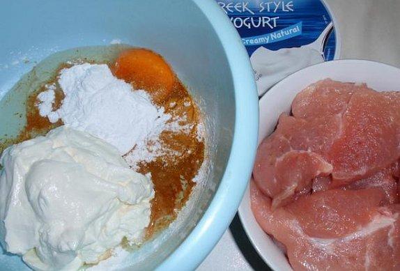 Jogurtové kořeněné řízky z trouby