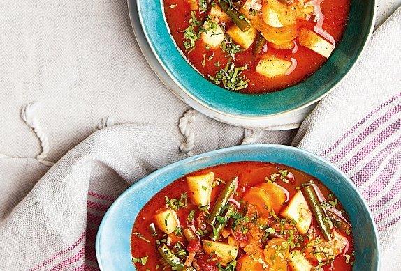 Letní bramboračka s rajčaty