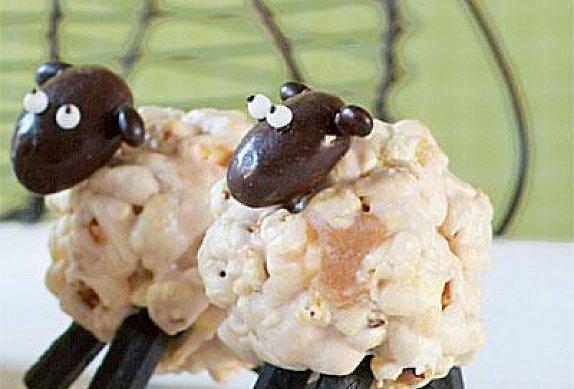 Ovečky z popcornu a marshmallows photo-0