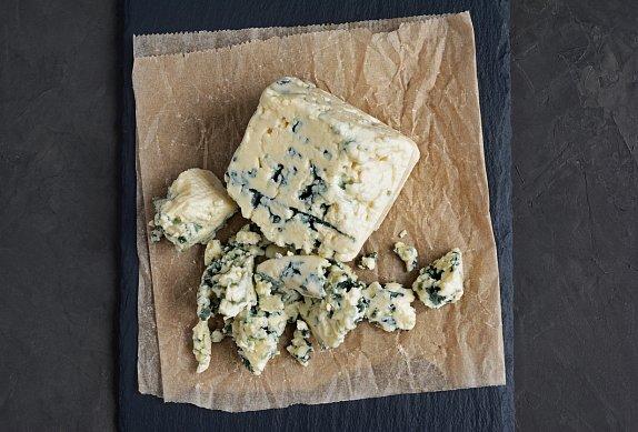 Přírodní plátek se sýrovou omáčkou s medvědím česnekem