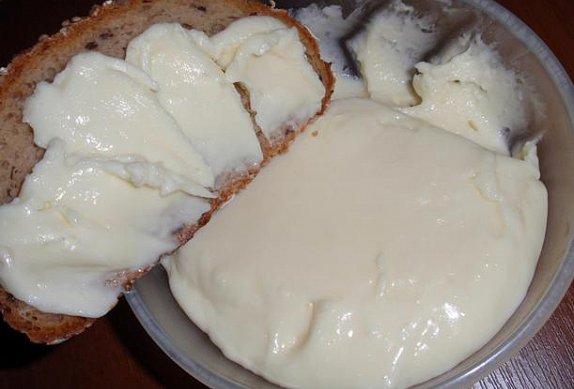 Domácí tavený sýr dle Ládi Hrušky