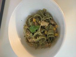 Těstoviny s quinoou a kuřecím masem