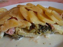 Gratinované brambory (nejen) s brokolicí