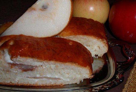 Jablečný (hruškový) závin s tvarohem - kynutý
