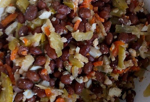 Fazolový salát (nejen) s kořenovou zeleninou