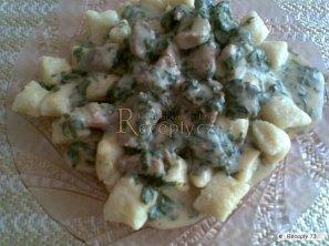 Gnocchi se špenátovou omáčkou