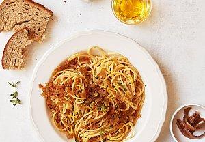 Citronové špagety s křupavou posýpkou