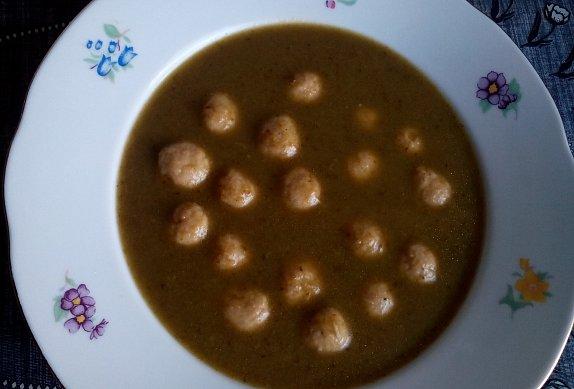 Kapustová polévka s drožďovými knedlíčky photo-0