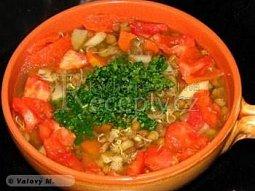 Čočková polévka s rajčaty