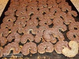 Ořechové rohlíčky Heda