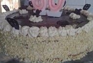 Mandlový dort s kapučínovým krémem