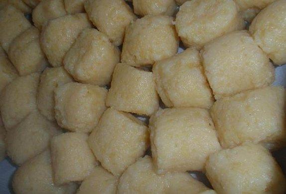 Pivní výpečky s bramborovými noky