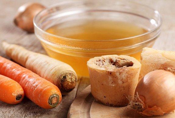 Italská orzo polévka s bazalkovými knedlíčky