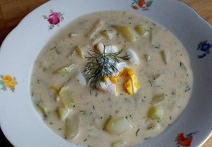 Patizonová polévka s koprem a zakysankou