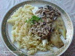 Filety z pangasia s houbovým dipem