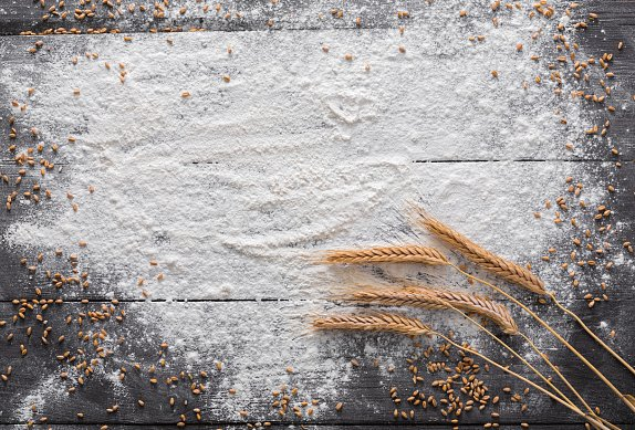 Ořechové řezy se žloutkovou polevou