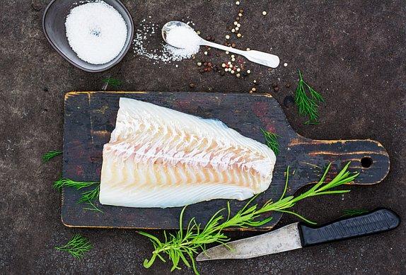 Ryba v papilotě s bazalkovým pestem