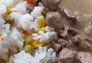 Drůbeží játra se zeleninovou rýží