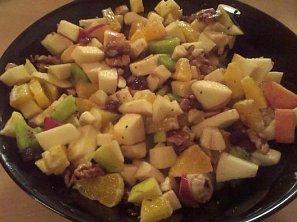 Ovocný salát s karamelovou marinádou