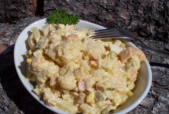Květákovo-bramborový salát
