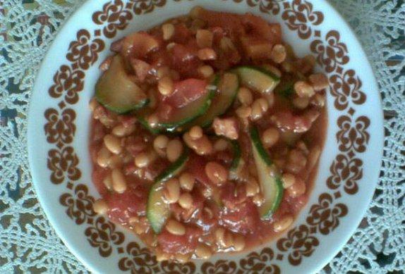 Fazole s rajčaty