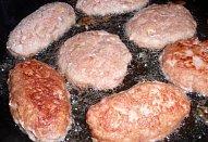 Karbanátky / sekaná se zázvorem a slaninou