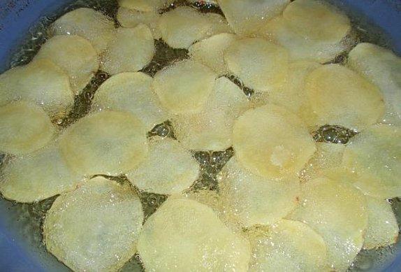 Smažené brambůrky - chipsy