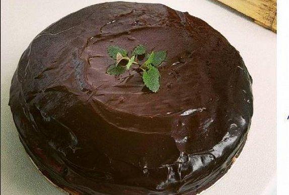Cuketový dort s kávovým krémem