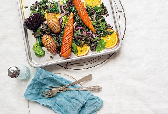 Zelenina Hasselback s čočkovým salátem