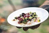 Carpaccio ze pstruha s olivovou tapenádou