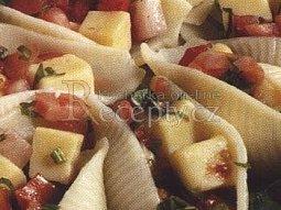 Mušle s rajčaty a sýrem