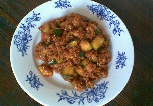 Masová směs s cuketou na těstoviny, brambory nebo rýži