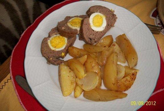 Sekaná pečeně plněná vejci