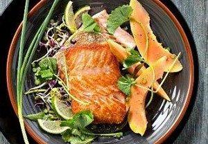 Filety z lososa s papájou