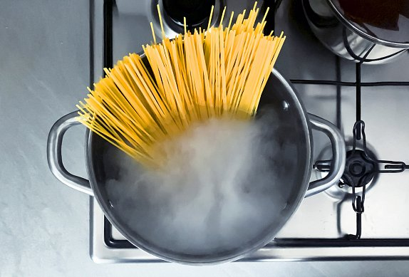 Špagety s nivou a slaninou
