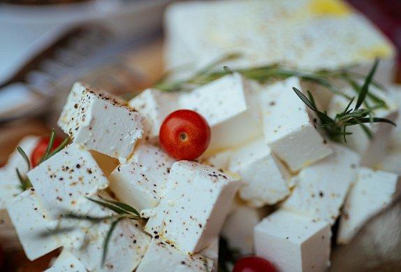 Nakládaný balkánský sýr III.