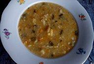 Květáková polévka s česnekovými výhonky