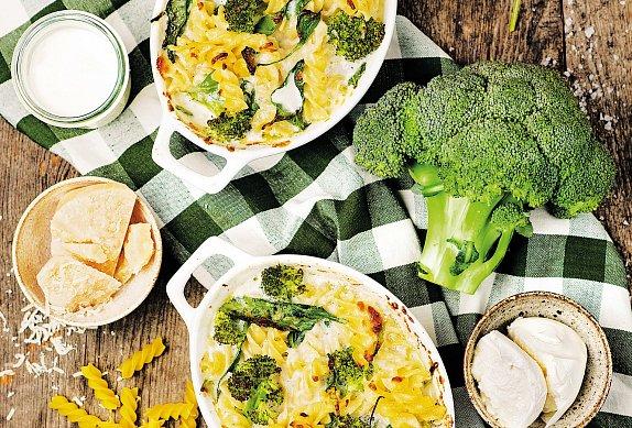 Zapečené těstoviny se špenátem a brokolicí