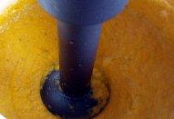 Mrkvová polévka (krém) s kuřecím masem