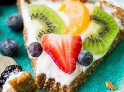 Fitness jogurtový koláč nepečený