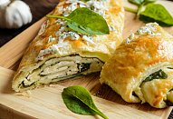 Listový závin se špenátem a balkánským sýrem