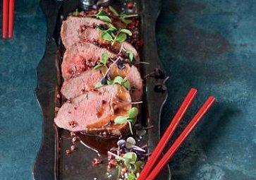 Recept na víkend: Hovězí svíčková v růžovém pepři